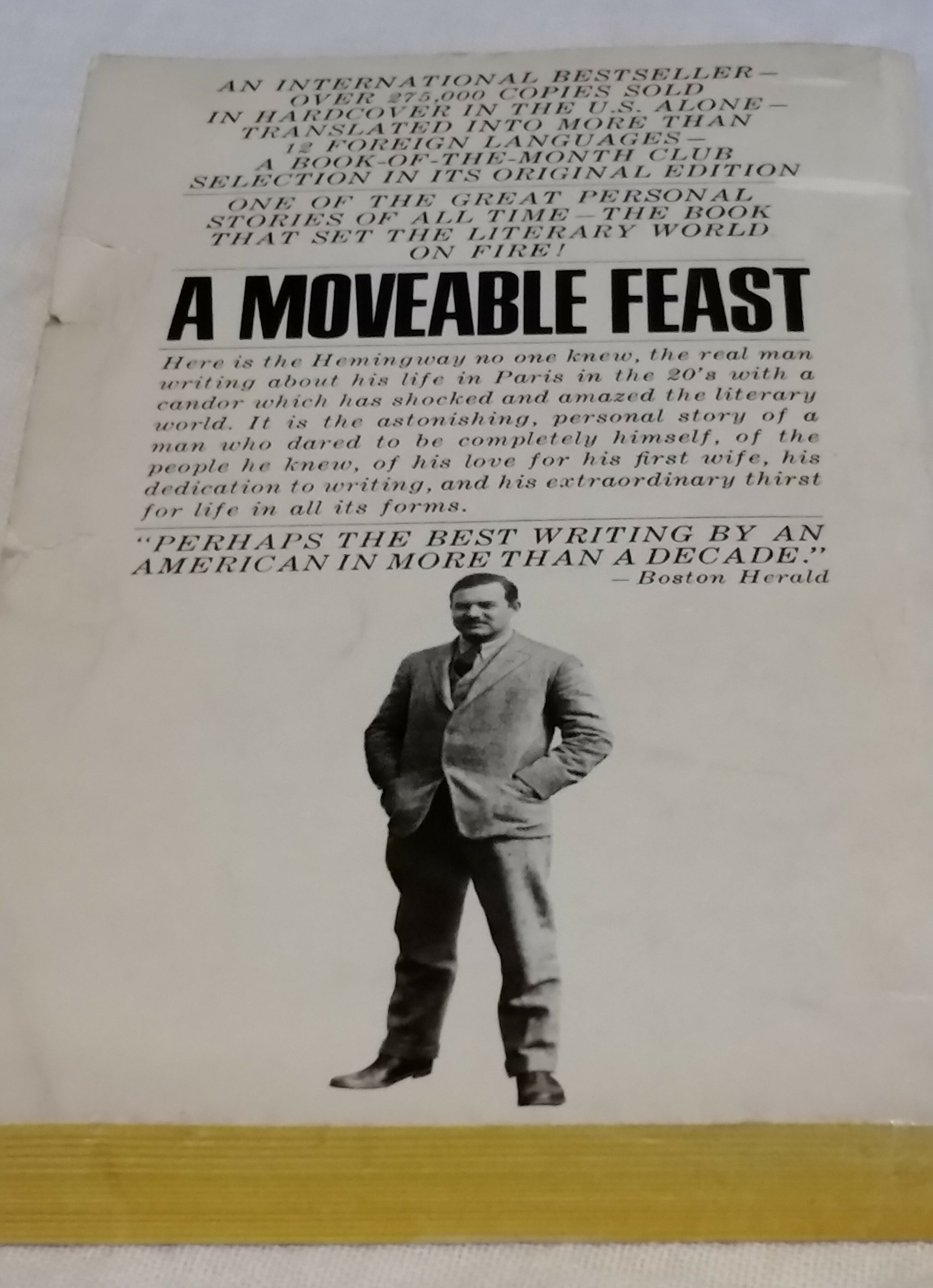 A moveable feast ernest hemingway 9780099909408 amazon books fandeluxe Document