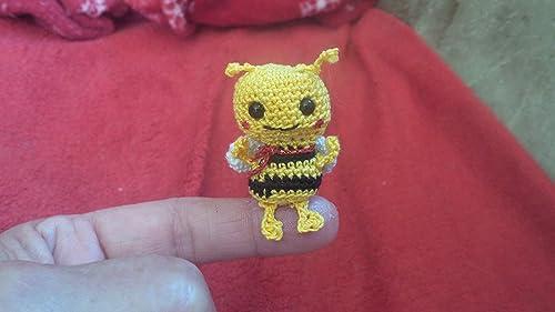 Amigurumi Bees Pattern: Bumble & Queen Bee | Crochet bee, Crochet ... | 281x500
