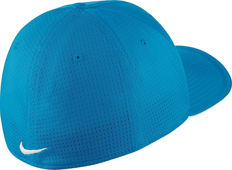 ac2ca9a1855ae Amazon.com  NIKE Classic 99 Mesh Golf Cap  Nike  Clothing