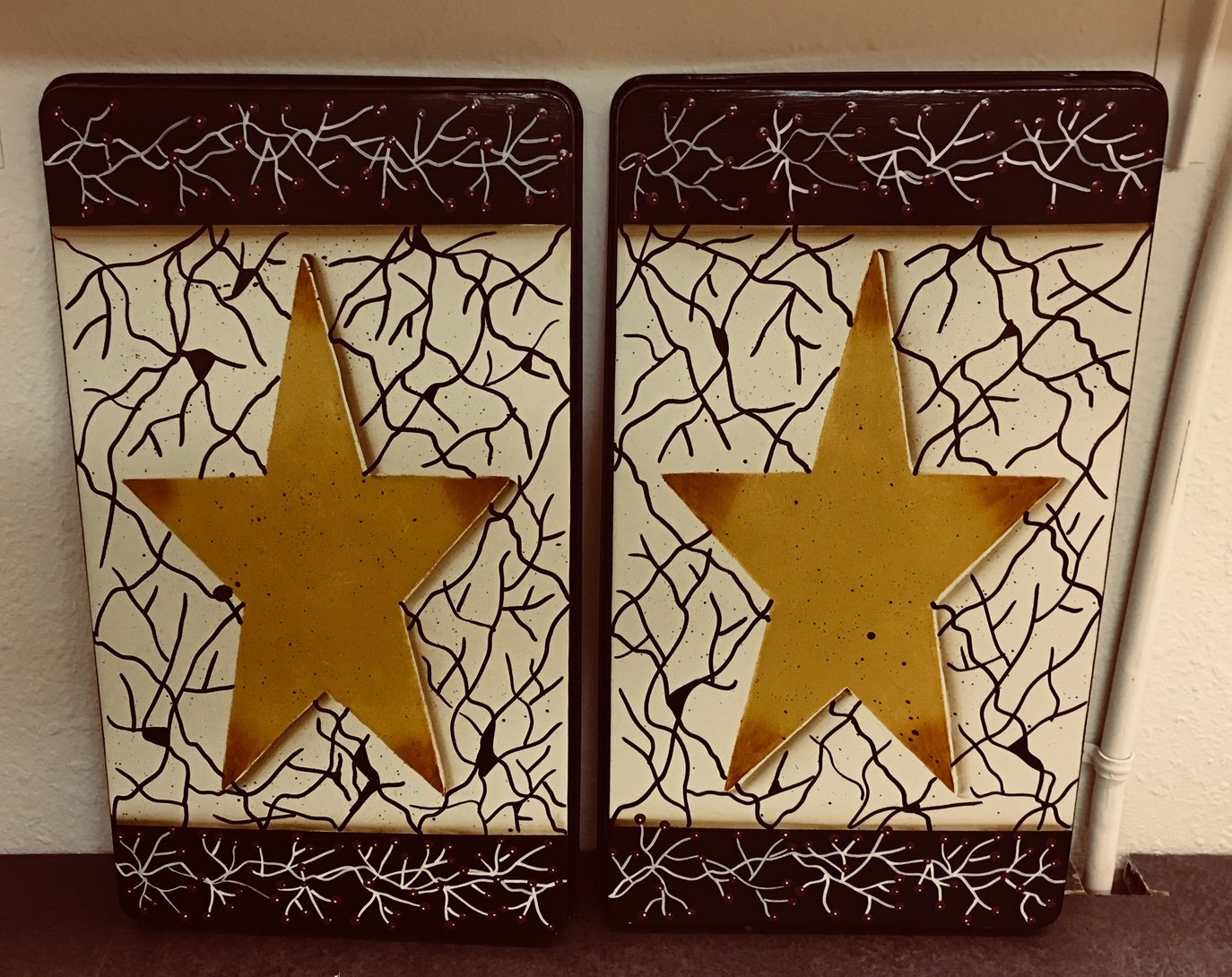 Farmhouse Style Crackled Stove Burner Covers Set by Primitive Country Loft House