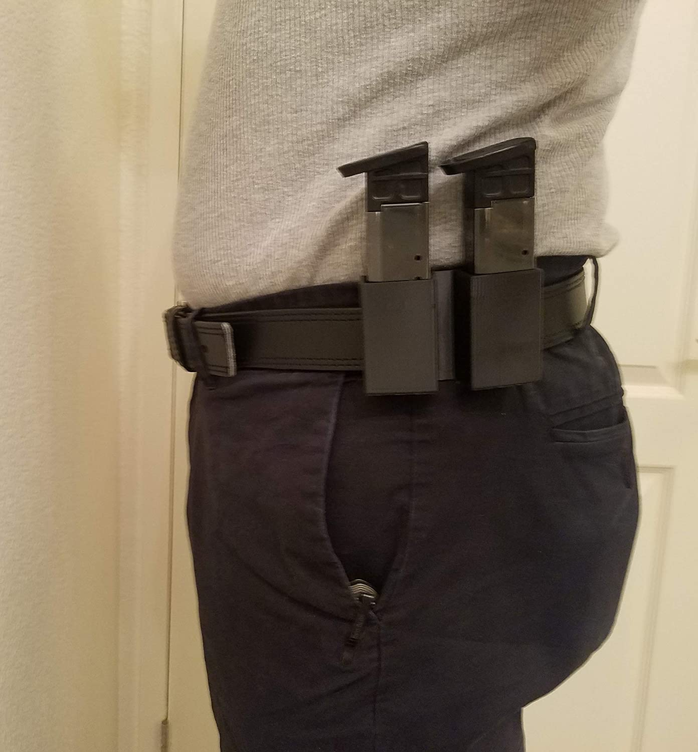 2 Mag Pouch fits S & W, M&P, 9mm & 40 Cal.(Double Stack). Magazines. (Polymer) 81x72B3HGIyL