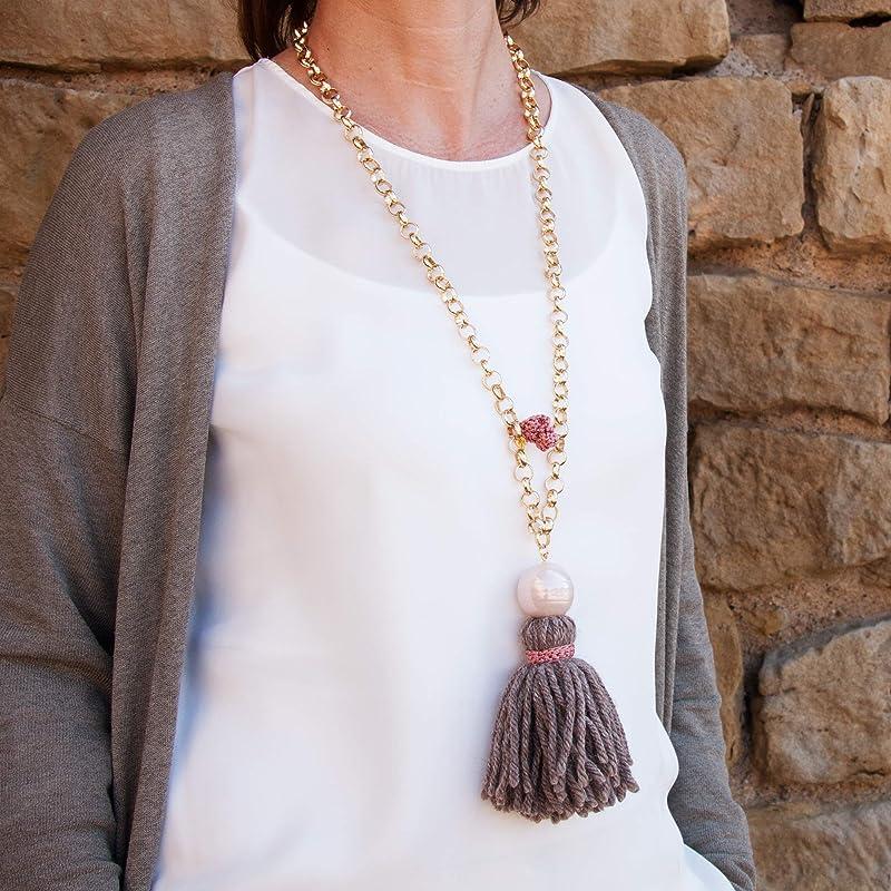 collier femme avec pompon