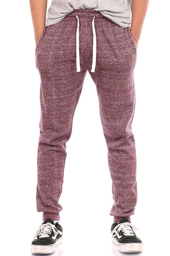 cd648f24a4 Se trata de un pantalón deportivo estilo Jogger con elásticos en la parte  inferior para brindar un ajuste de manera natural a la forma de tus piernas.