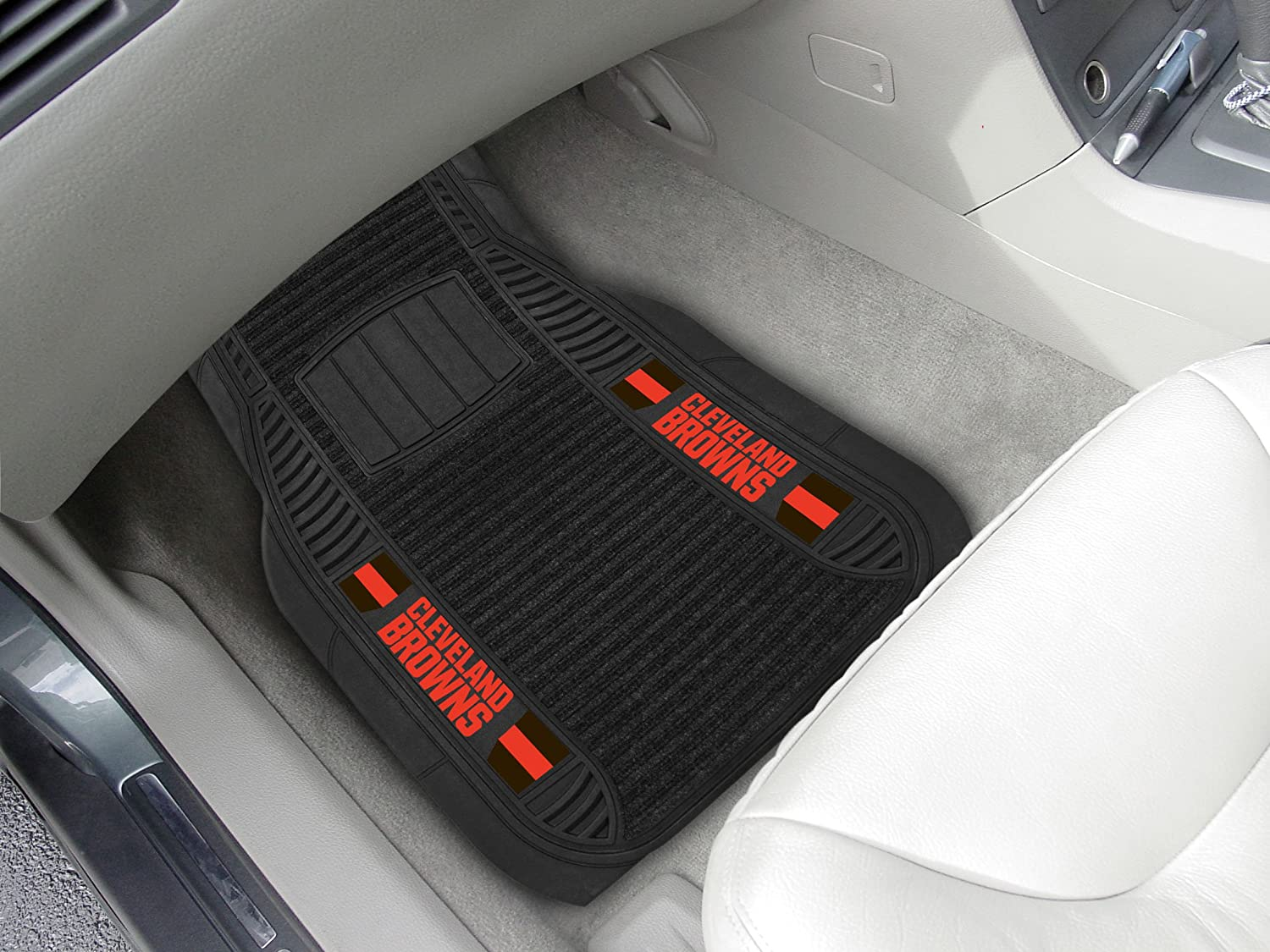 FANMATS NFL Cleveland Browns Nylon Face Deluxe Car Mat