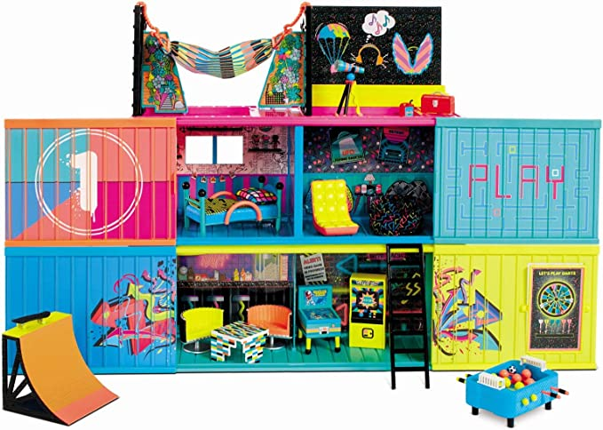 Amazon.com: L.O.L. Surprise! Clubhouse Playset with 40+ Surprises and 2 Exclusives Dolls (569404E7C): Toys & Games