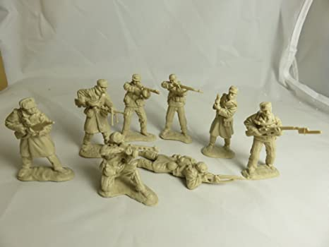 Amazon com: Classic Toy Soldiers, Inc, Korean War North Koreans, 16