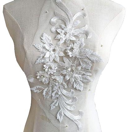 5d18e86e7d8 Amazon.com  Exquisite 3D Flower Applique