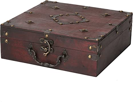 Unique Treasure chest with lock Large wooden chest with handle Keepsake box for men Vintage jewelry chest Rustic wood Memory box for dad