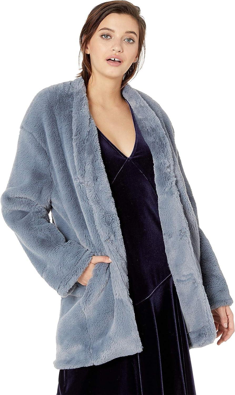 70cc06d8ab46 NEVEREVEN Womens Faux Fur Seamed Coat at Amazon Women's Coats Shop