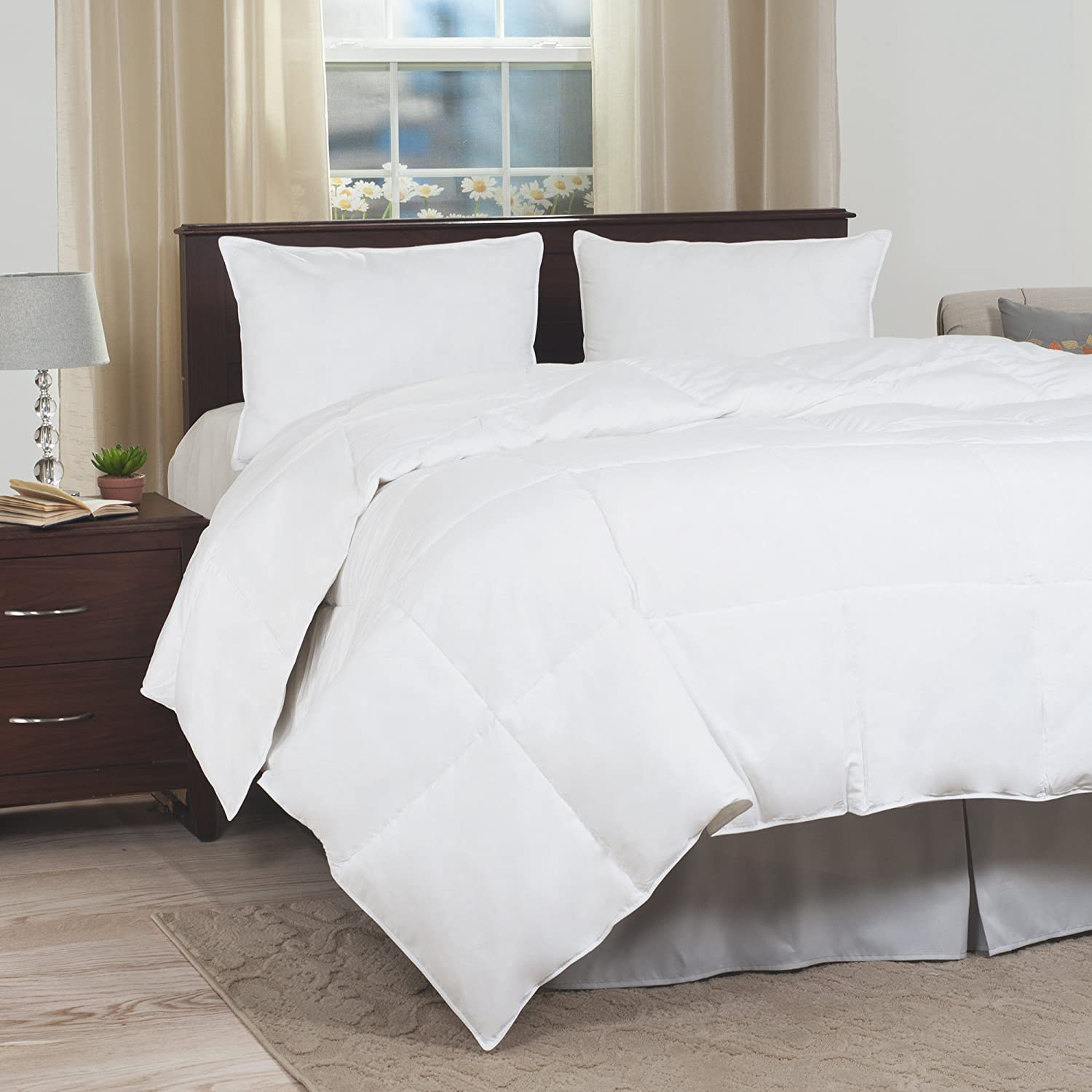 Amazon.com: Lavish Home Full/Queen Comforter, Ultra-Soft White Goose Down Alternative Comforter, Hypo-Allergenic, Quilted Box Stitched, ...