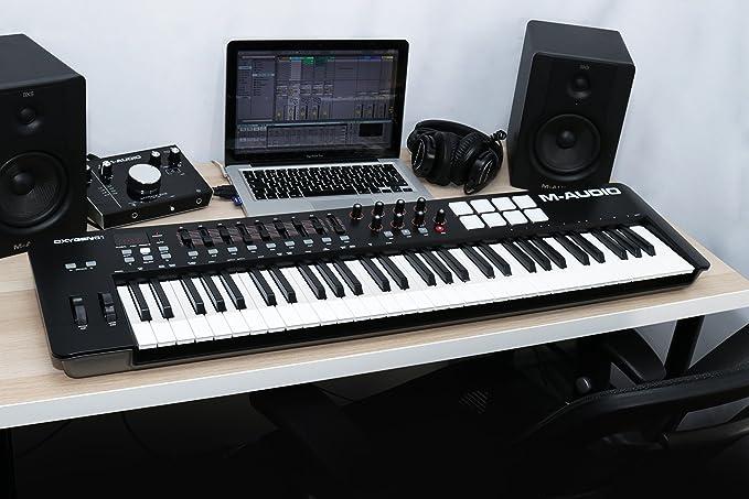 M-Audio Oxygen 61 IV - Teclado Controlador MIDI USB con 61 teclas y Pads Sensibles a la intensidad, Sistema DirectLink de Asignación Automática, VIP 3 y Paquete de Software Incluido: Amazon.es: Electrónica