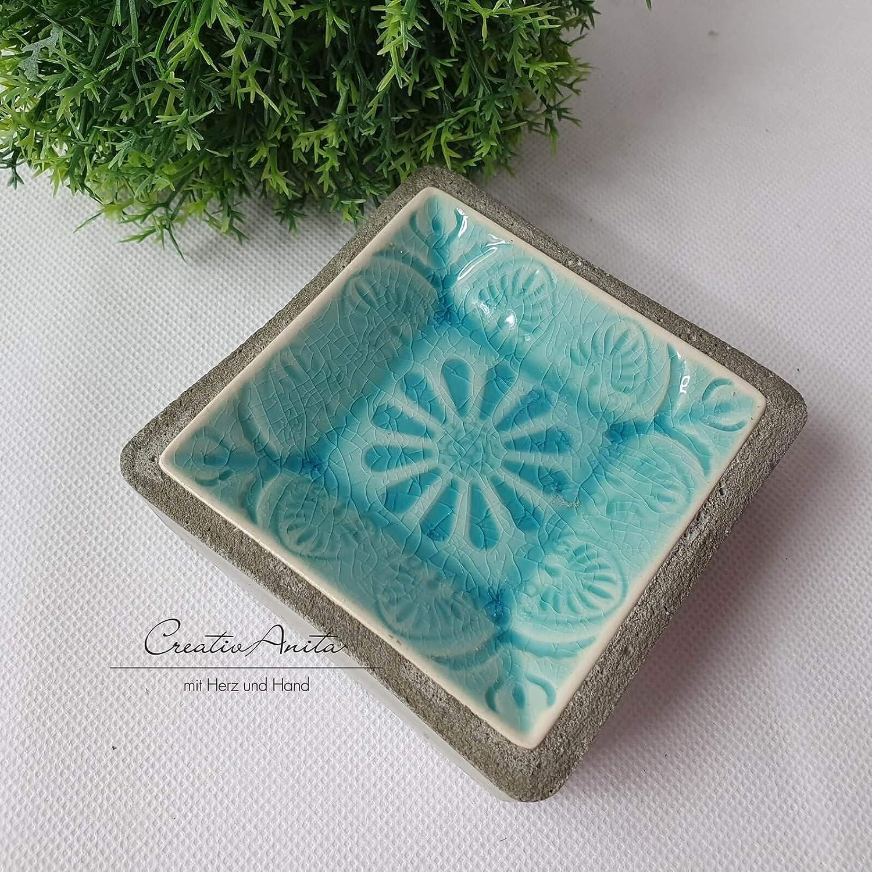 Schale aus Beton und Porzellan Flieder Schmuckteller Seifenablage Seifenschale
