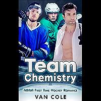 Team Chemistry: MMM First Time Hockey Romance (English Edition)