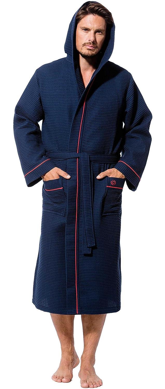 Bugatti Herren, Waffelpique-Bademantel lang, Größe M, blau (dunkelblau), mit Kapuze, 100% Baumwolle, Größen S-5XL. Größe M Größen S-5XL. Morgenstern bugatti 4803/14