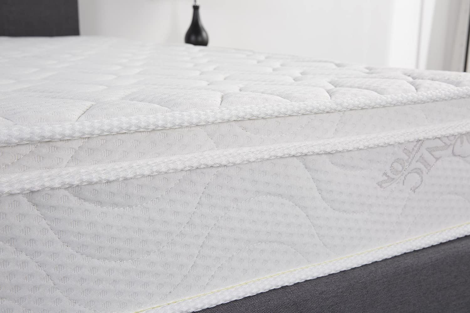 Oliver Smith Luxury Mattress