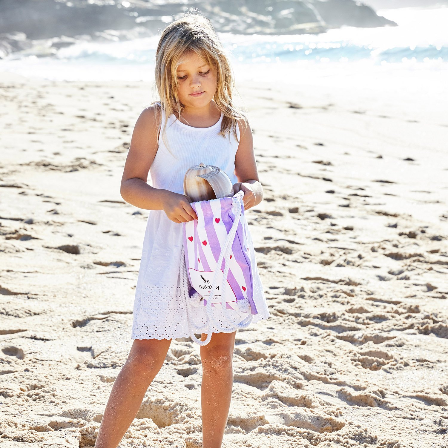 packs into its own drawstring beach bag Microfibre Kids Poncho with hood 28 long Compact /& Lightweight Beach /& Pool Suits ages 3-7 - Mini collection Quick Dry Hooded Towels for Swim