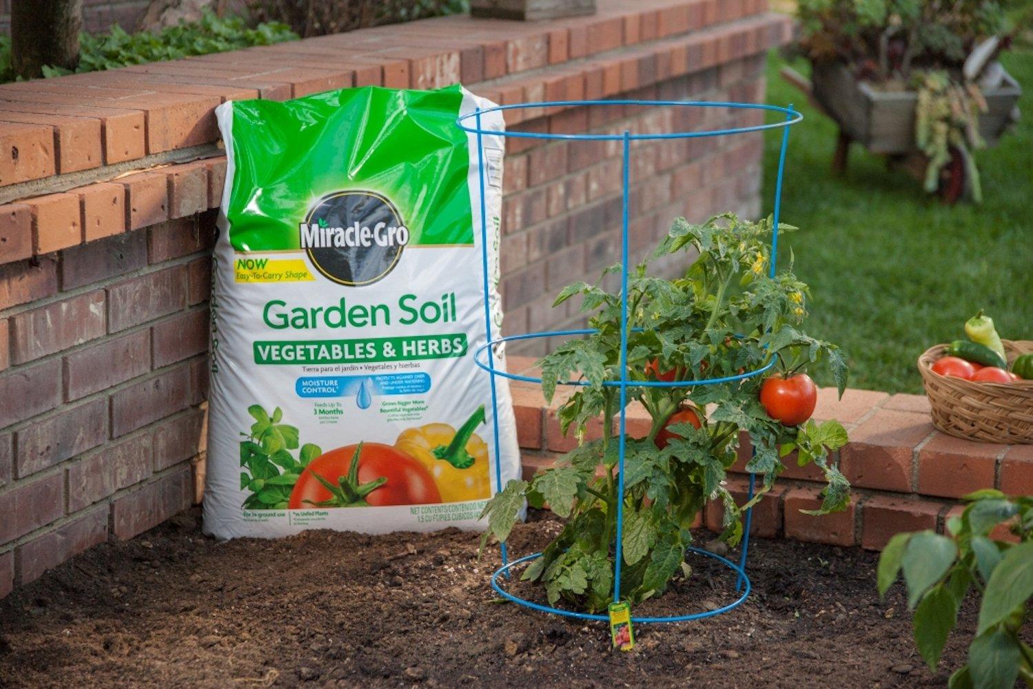 amazoncom miracle gro 73759430 garden soil vegetables herbs 15 cf garden outdoor - Vegetable Garden Soil