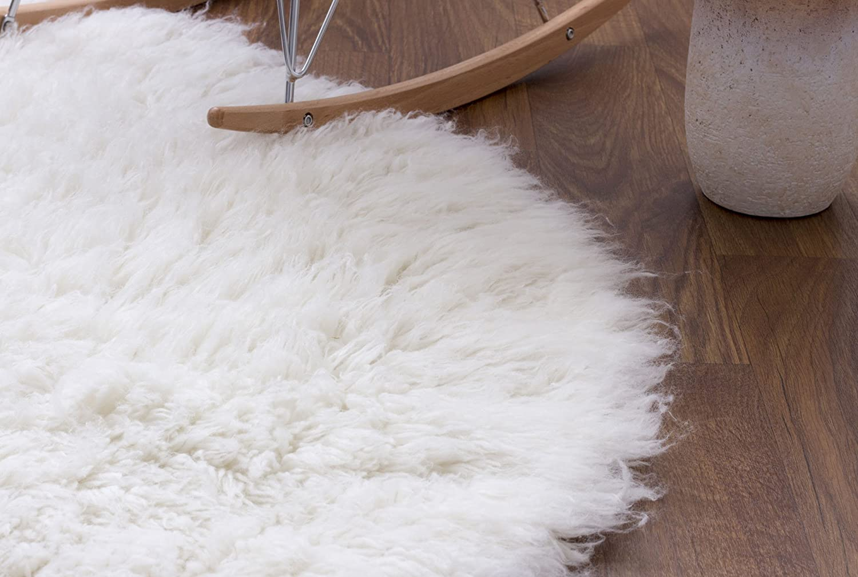 Amazon.com: Hand Woven Soft Wool Flokati Shag Rug 5 Feet Round (5u0027 Round) ,  White: Kitchen U0026 Dining
