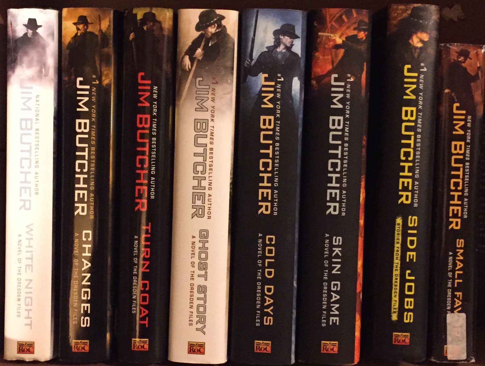 Dresden Files By Jim Butcher Novel Set Books 116: Jim Butcher, None:  0746278840589: Amazon: Books