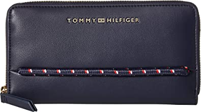 b9cda78413fb5 Amazon.com: Tommy Hilfiger Women's Devon Large Zip Wallet Tommy Navy ...