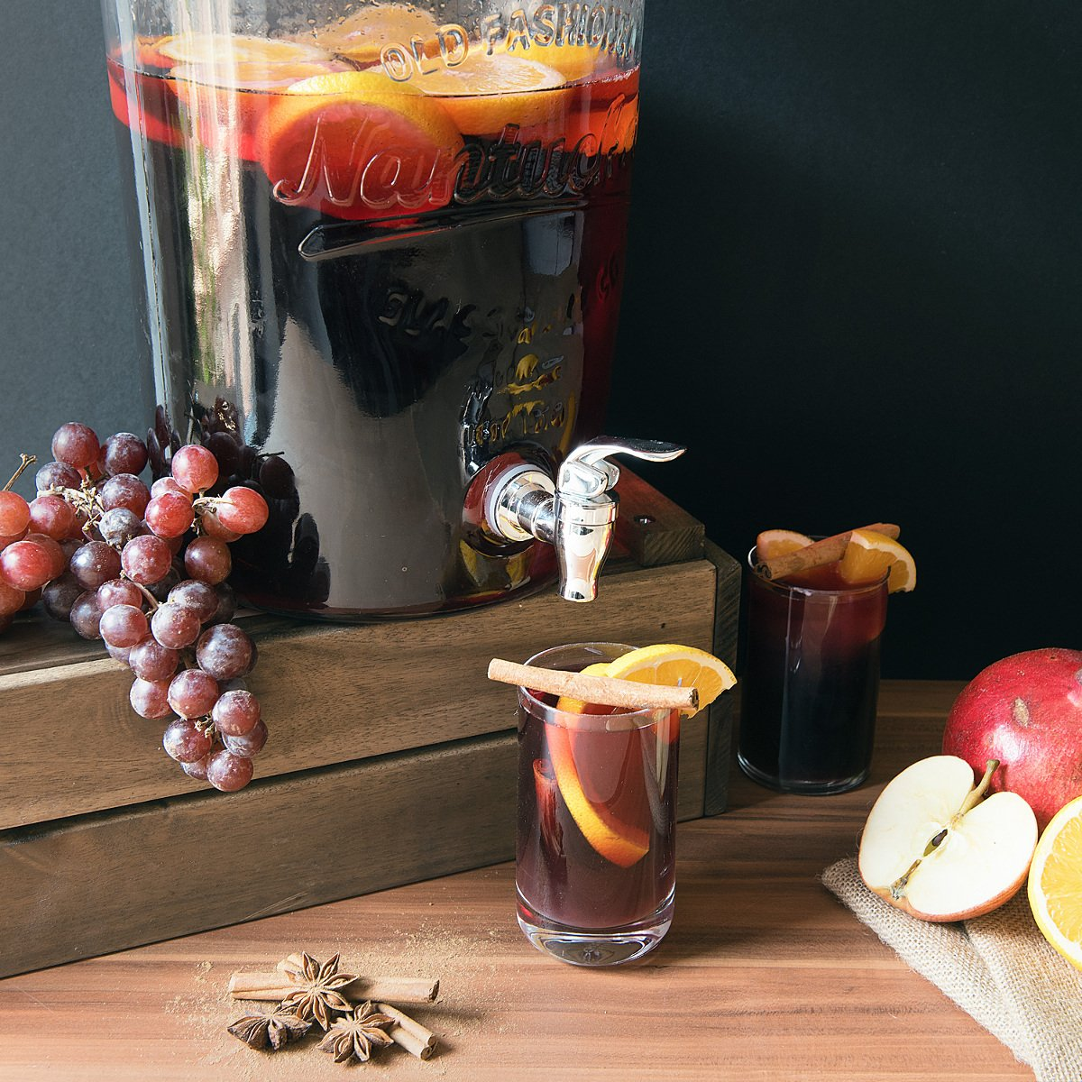 Navaris Dispensador de Bebidas con Capacidad de 8L - dispensador de Vidrio con Tapa Grifo y Cierre Giratorio - Recipiente para Bebidas: Amazon.es: Hogar
