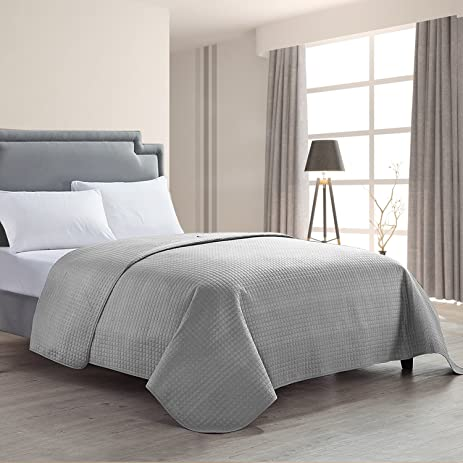 Amazon.com: HollyHOME Luxury Checkered Super Soft Solid Single ... : gray quilted bedspread - Adamdwight.com