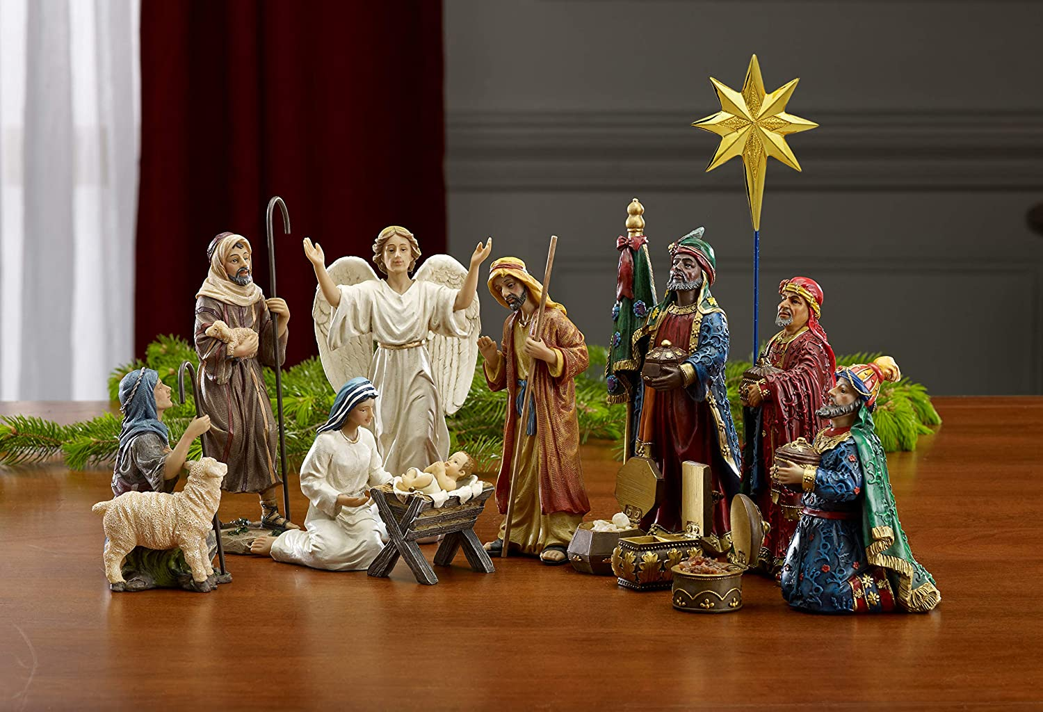 Amazon Com Set Of 11 Nativity Figurines With Real Gold Frankincense And Myrrh 7 Inch Scale Home Kitchen