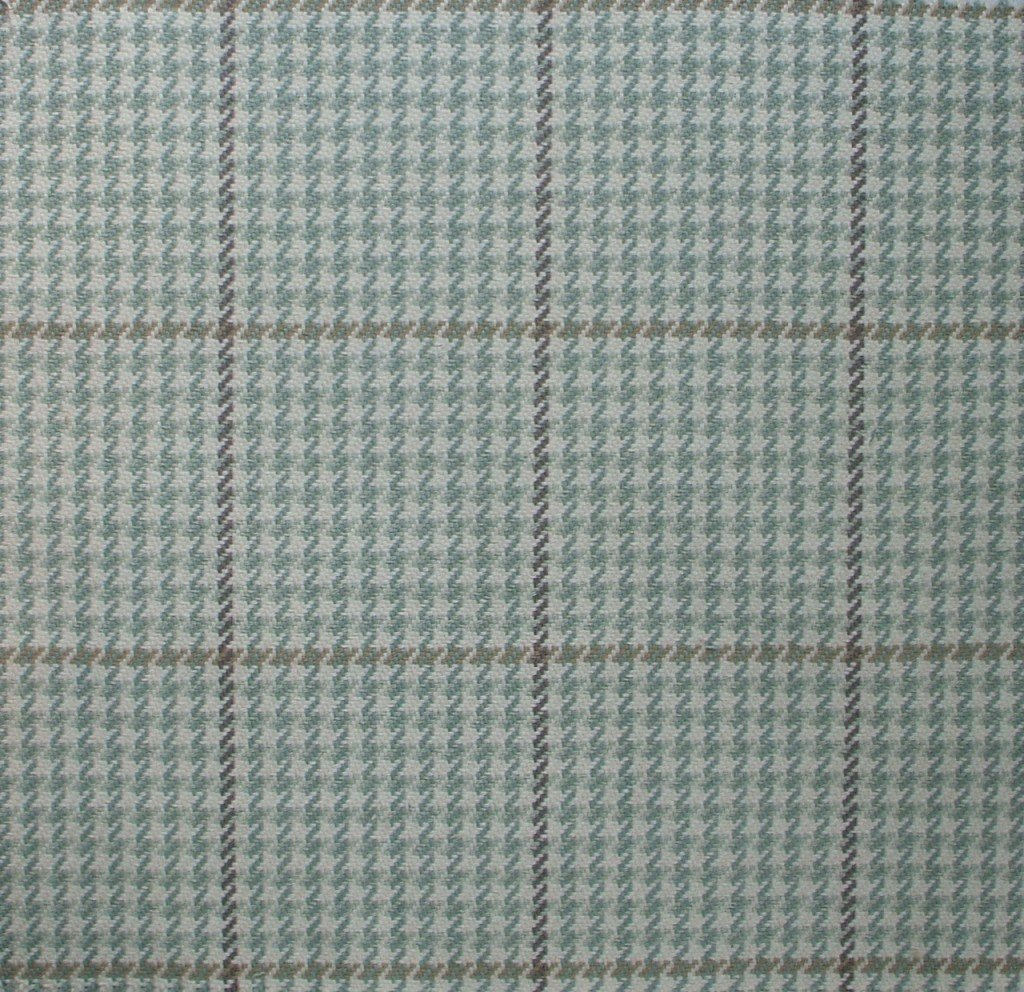 Pembrook Seaglass Green Houndstooth 72'' Round Tablecloth Cotton with Bayside Spa Topper