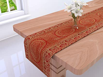 DARJII Decorative Polyester Table Cover (60x60-inch, Red and Gold)
