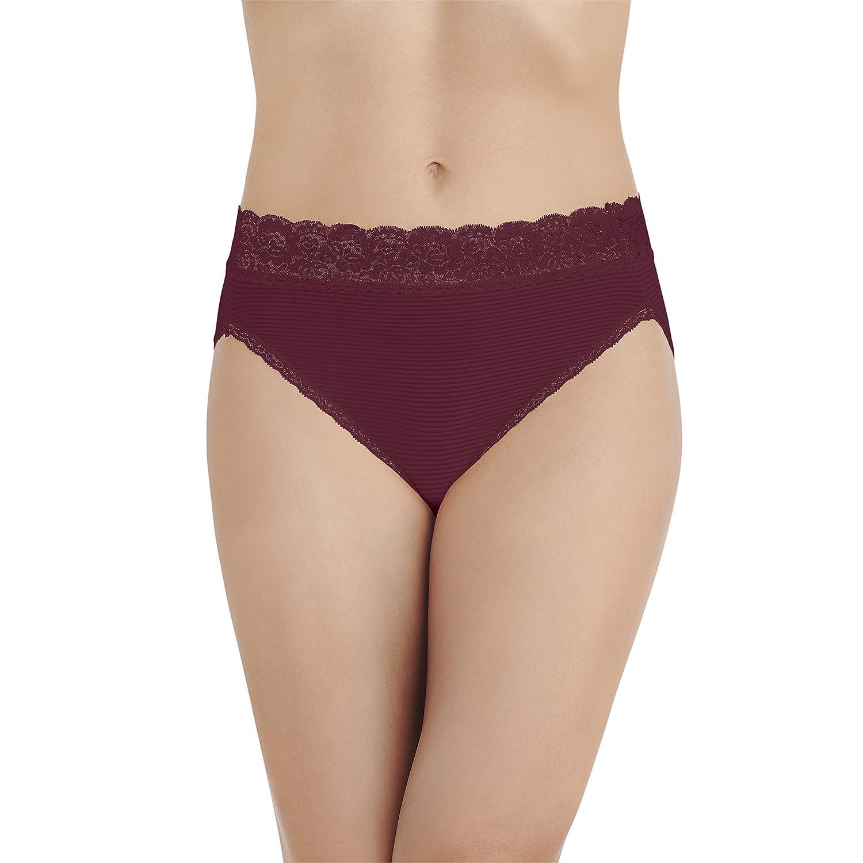 706724ae024 Vanity Fair Women s Flattering Lace Hi Cut Panty 13280 at Amazon Women s  Clothing store