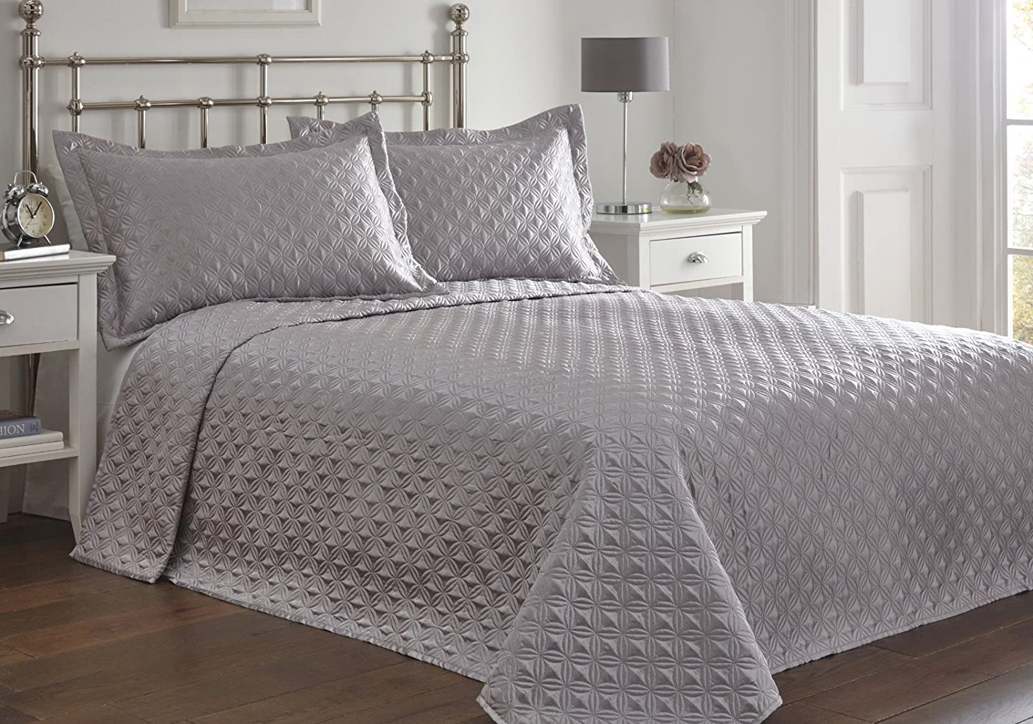 King Size Bed Regent Silver Bedspread Set, Throw Over & Pillow ... : silver quilted bedspread - Adamdwight.com