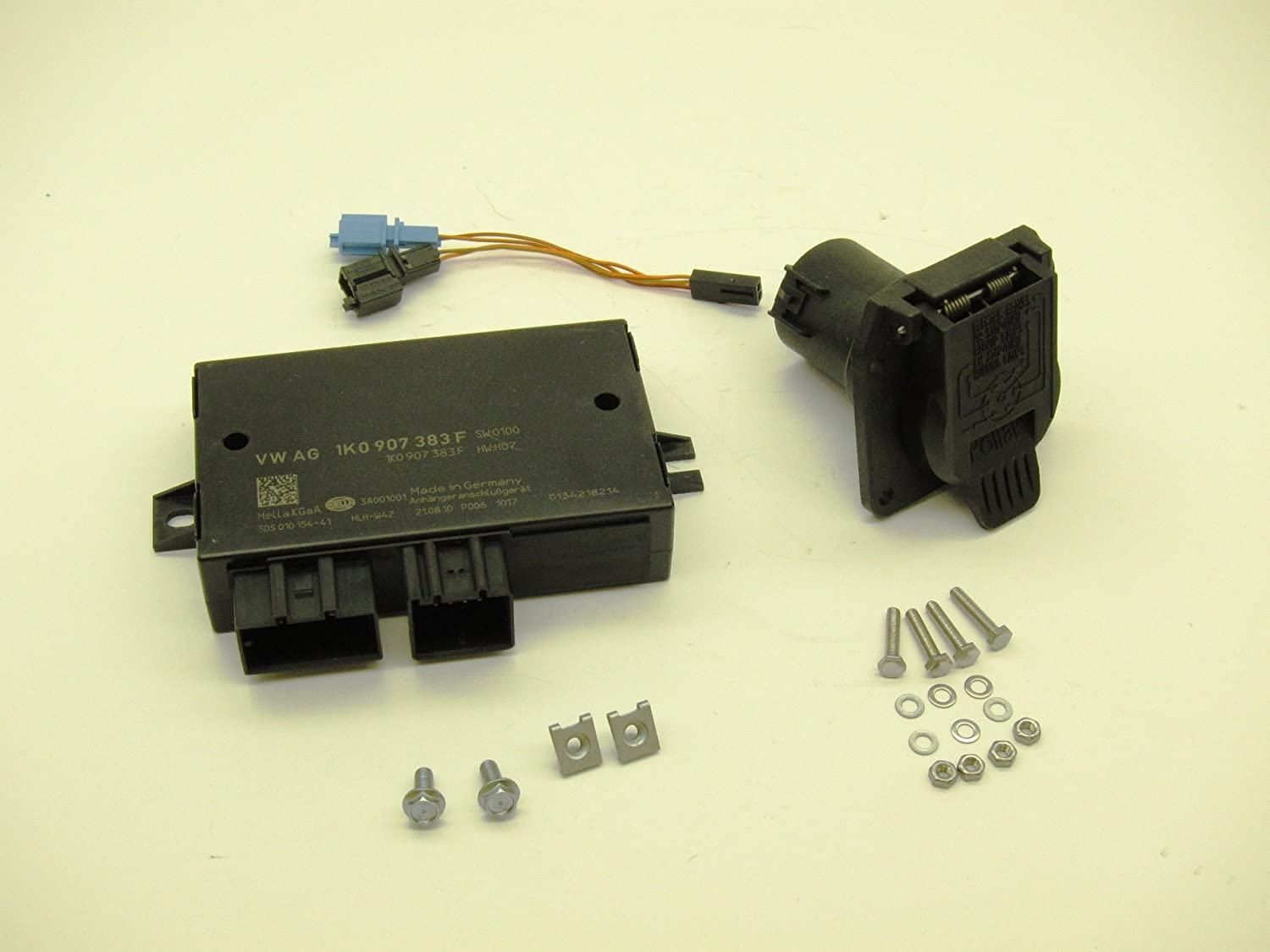 81xknKR9zBL._SL1500_ amazon com volkswagen 5n0055204na trailer hitch electrical  at crackthecode.co