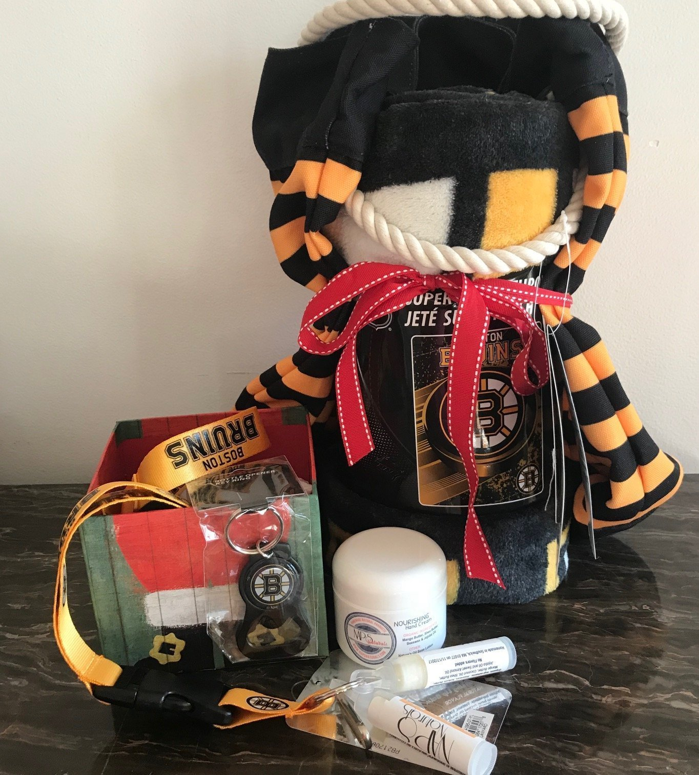 Bruins Holiday Gift Package with Organic Lotion and Lip Balm