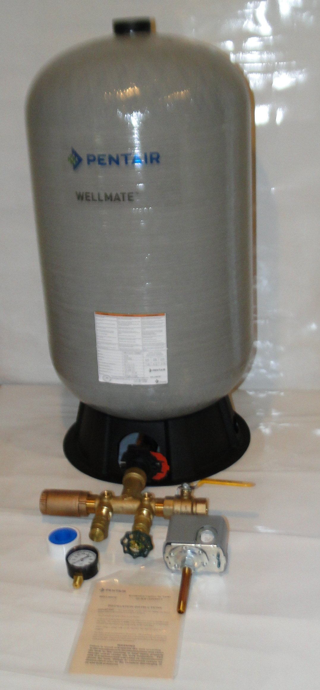 WELLMATE PENTAIR WM6 WM-6 20 gallon quick connect + Brass tank tee install kit + brass ball and check Valves -Free standing Water Well PRESSURE TANK FSG2 SQUARE D 40 60 by Pentair