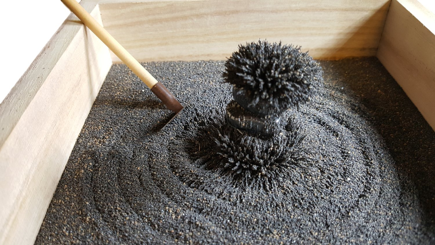 MagZen - Unique Magnetic Zen Garden Zen Box, All Natural Real Magnetic Sand Mined from Arizona USA - Does Not Stain Hands by MagZen (Image #1)