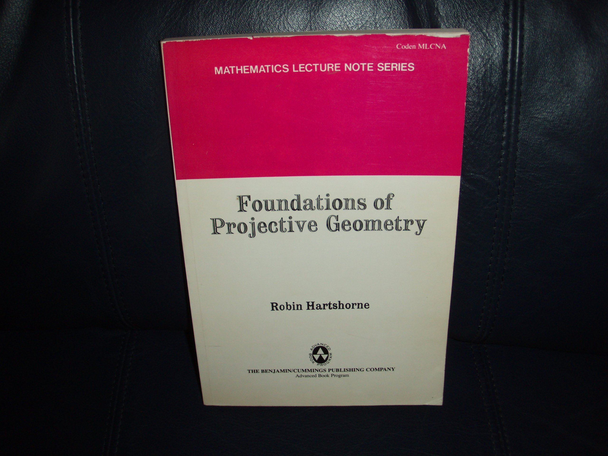 Foundations of projective geometry (1967)