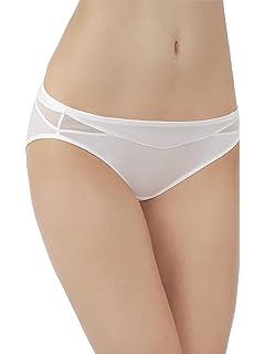 a3583193ce Vanity Fair Women s Illumination String Bikini Panty 18108 at Amazon ...