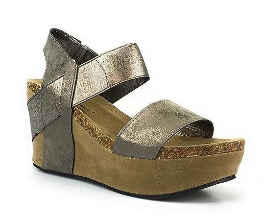 Women's Hester-1 Wedge Sandals (7 Gold)