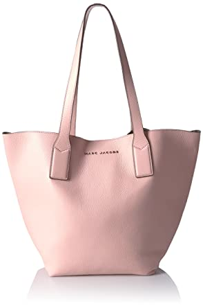 e3967fa80570 Amazon.com  Marc Jacobs Wingman