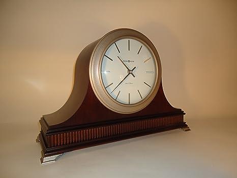 Howard Miller Nouveau Tambour reloj de mesa