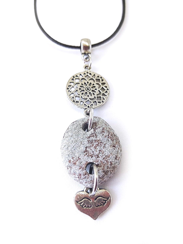 Colgante con los símbolos del mandala y del corazón con alas de ángel | Piedra del Mediterráneo | Collar boho chic | Joyas espirituales | Amuleto