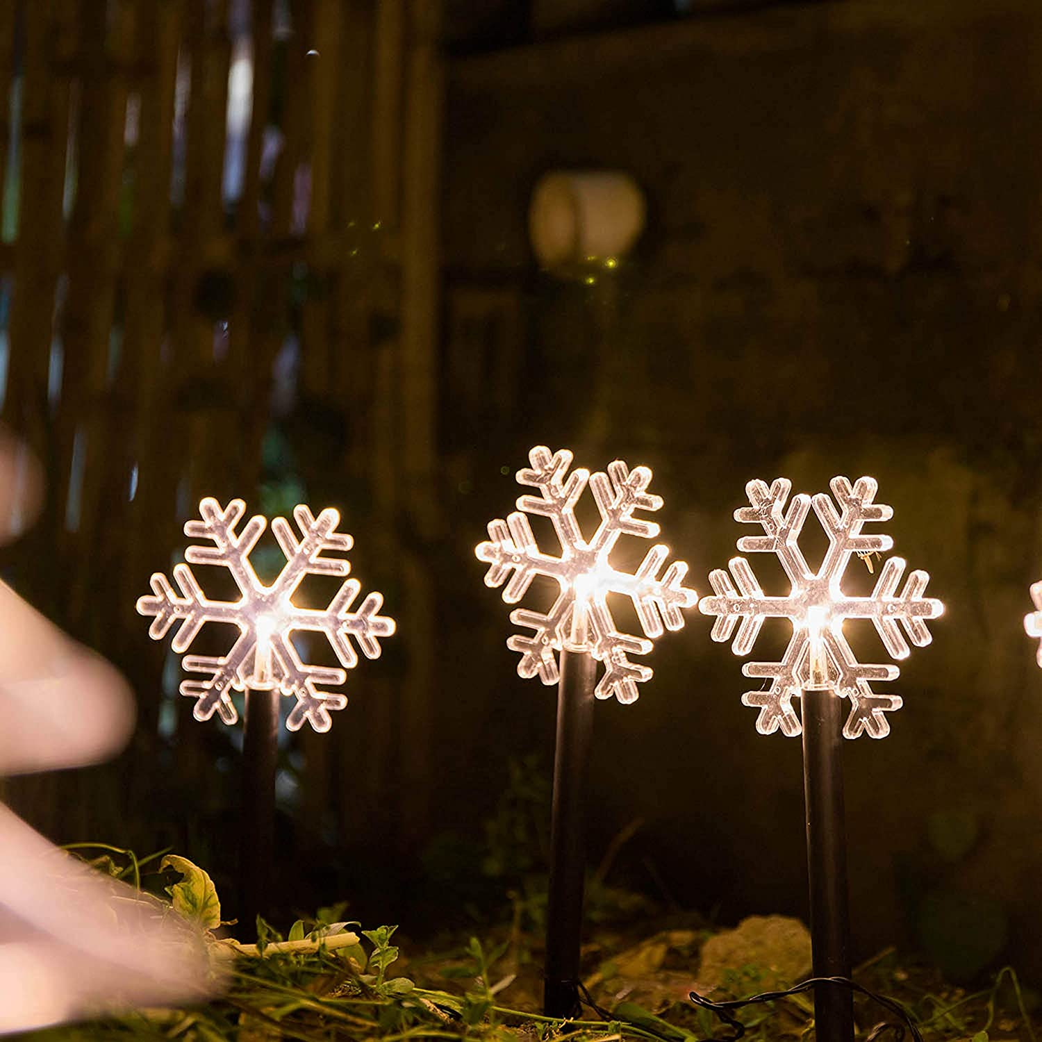 Christmas Garden Pathway Light Decorative Landscape Lighting Garden Path Light 5 Packs 14 Inches Battery Operated Warm White Led Sticks for Indoor and Outdoor Holiday Decoration (Snowflake)
