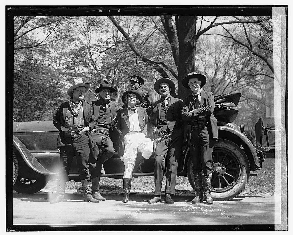 16 x 20 Reprinted Old Photo of Miss Texas Guinan, Movie Cow Girl, called at the White House today. Left to right: Harold Vosburgh, George Nagle, Miss Guinan, Arthur Ludwig, 1922 National Photo Co 29a