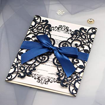 d38e39492 Moda Azul Marino Sequines Invitaciones de Boda Hueco Corte por láser  Bowknot de la Cinta invita