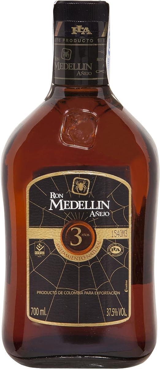 Ron medellin Añejo, 3 años, 700 ml