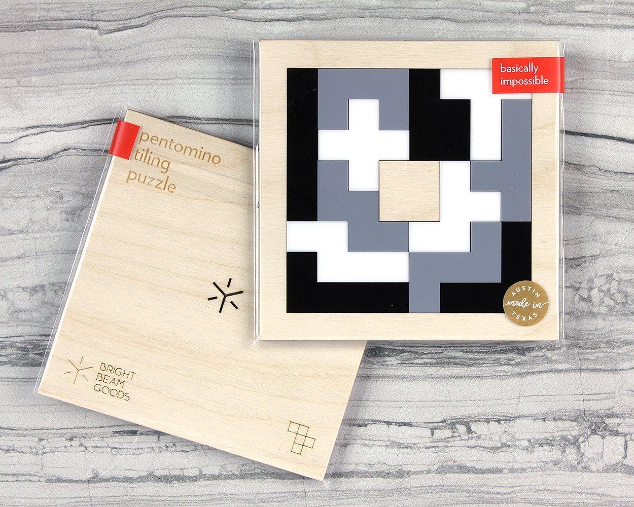 Black /& White Pentomino Puzzle