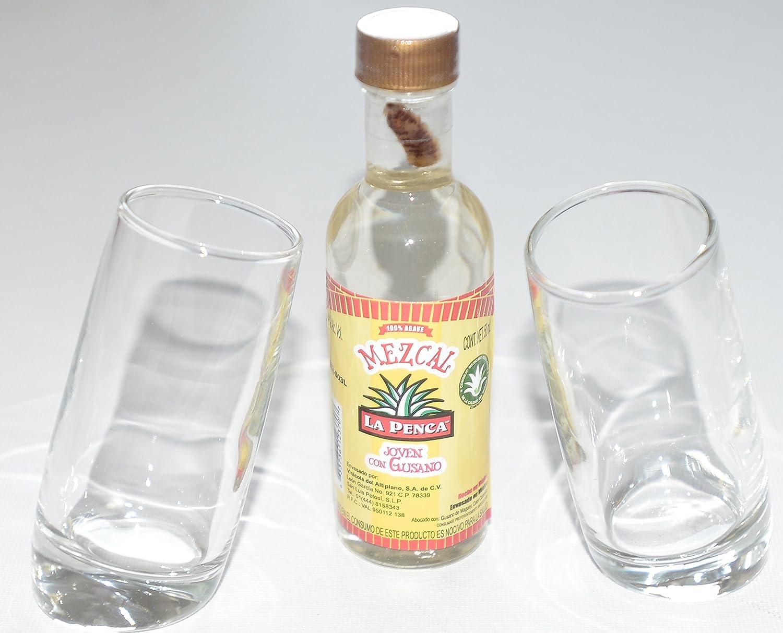 Par de Ludico inclinado vasos de chupito (60 ml) con Mezcal La Penca 5 cl en miniatura (con tornillo sin fin): Amazon.es: Hogar