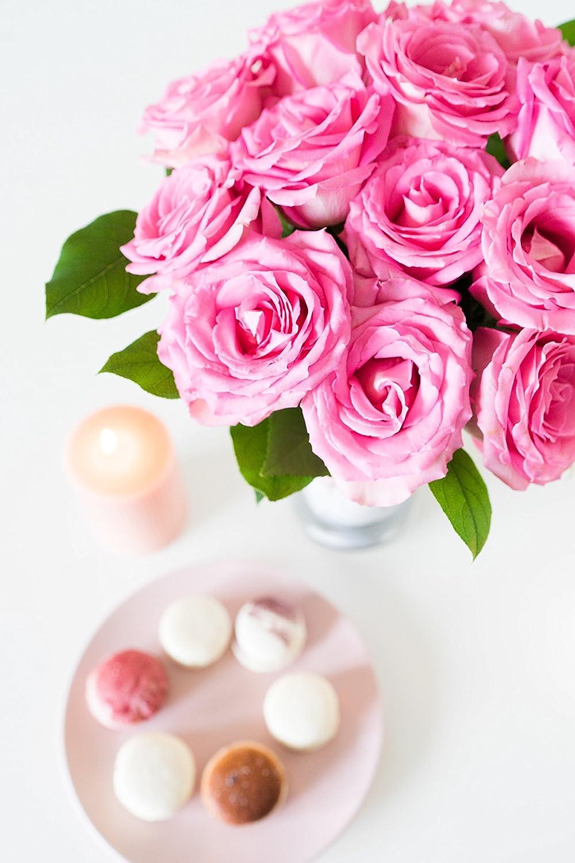 Amazon.com : Flowers - One Dozen Light Pink Roses (Free Vase ...