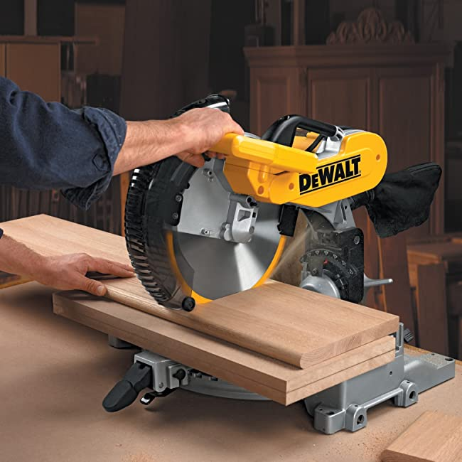DEWALT DW716 15 amp 12-inch Double Bevel Compound Miter Saw Feature