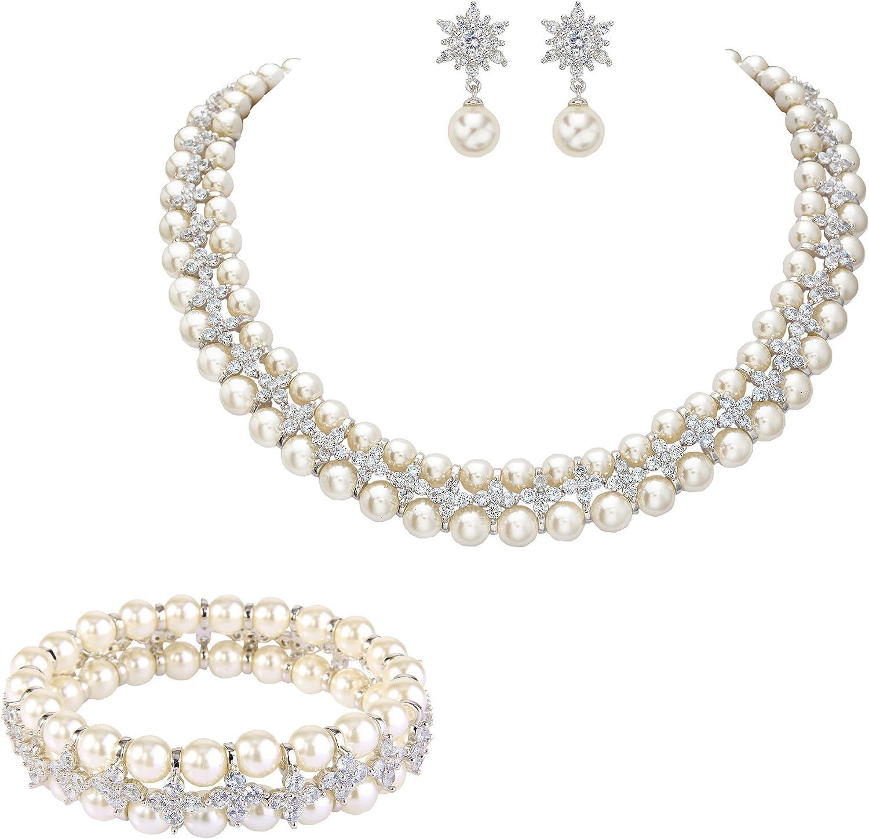 Ever Faith Zircon Cr/ème Perle Artificielle 2 Fleurs Collier+Boucles doreilles+Bracelet Parures Clair Ton dargent